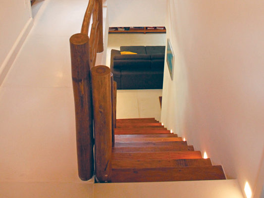 escada-IAN