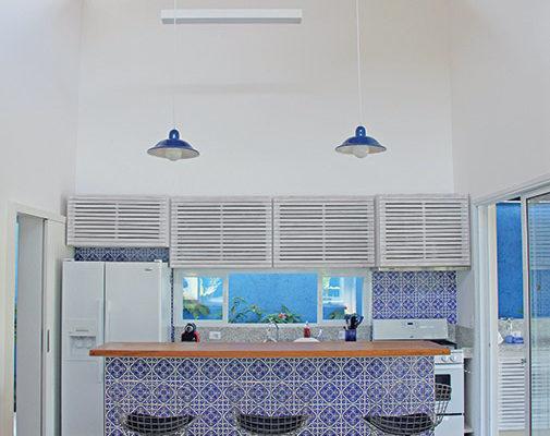 Casa-Vertical-cozinha-americana-RAC-Arquitetura