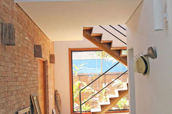 Casa-Vertical-dois-pisos-RAC-Arquitetura