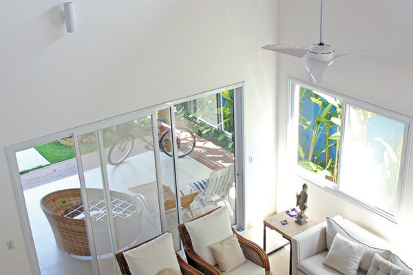 Casa-Vertical-sala-RAC-Arquitetura