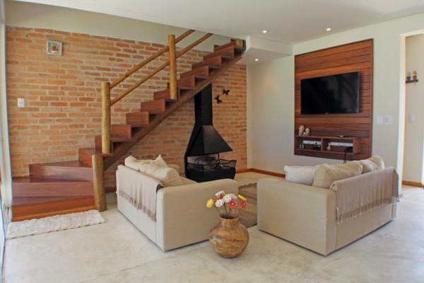Casa-na-Aldeia-da-Serra-sala-lareira-RAC-Arquitetura