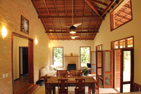 Casa r stica e colonial rac arquitetura - Interiores rusticos de casas ...