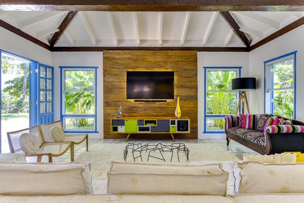 reforma-abre-casa-na-praia-do-camburizinho-para-o-mar-e-integra-ambientes-5